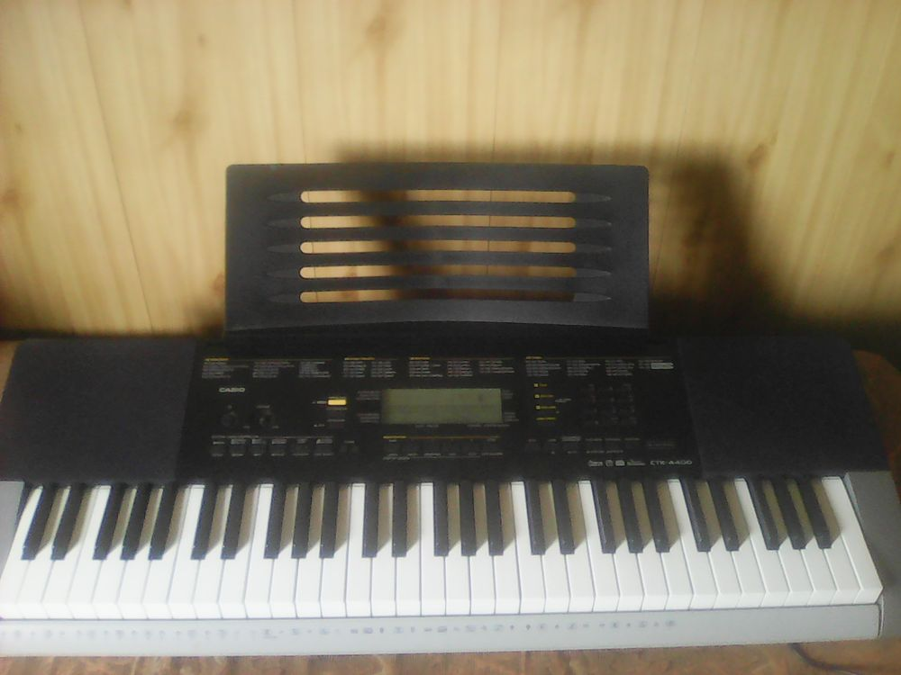 Синтезатор Casio CTK-4400